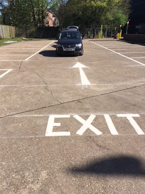 line marking exit label