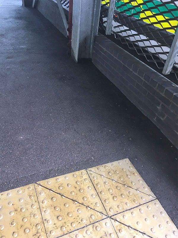 clean car parking after bubble gum removal service