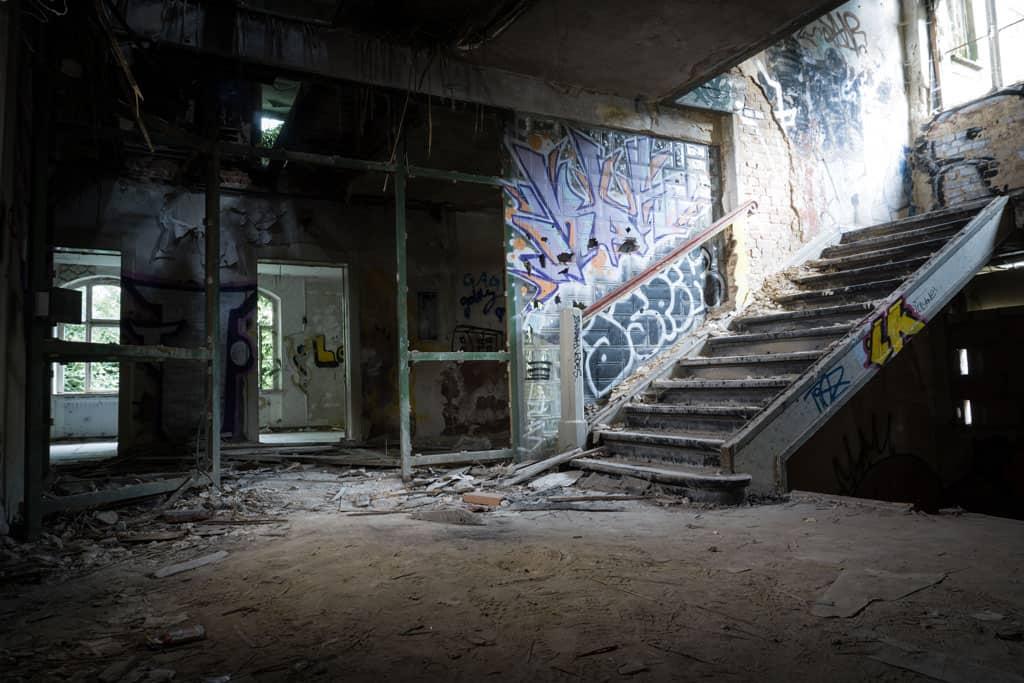 Professional Graffiti Removal UK